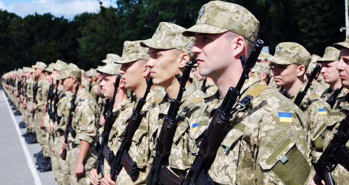 В Україні з 2023 року хочуть скасувати призов на строкову службу