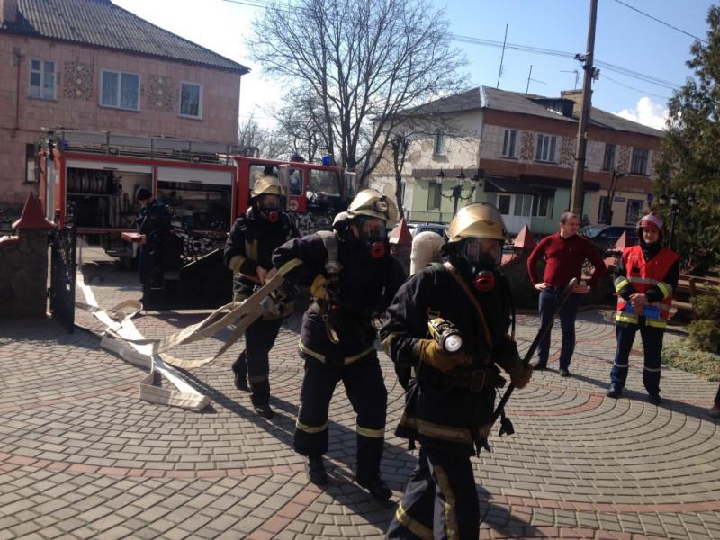 Що робили рятувальники Іваничівщини в ресторані «Старий Замок»