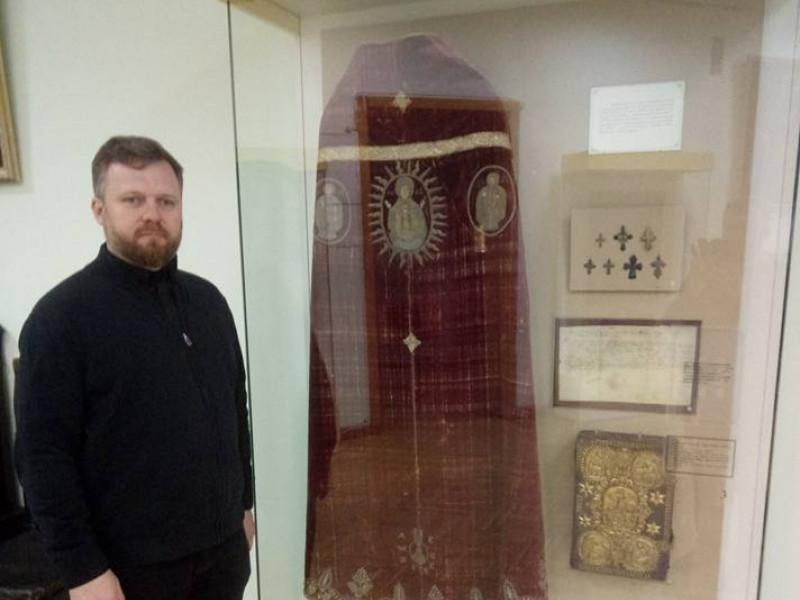 Відомо, де знаходиться старовинна риза, яку колись подарували Низкиницькому монастирю