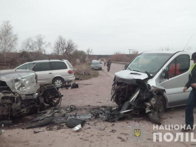 Поліція встановлює обставини смертельної автотрощі на Волині