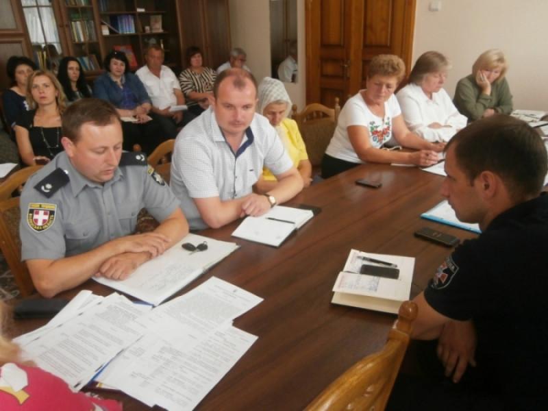 Крадіжки, шахрайства – криміногенна ситуація на Іваничівщині