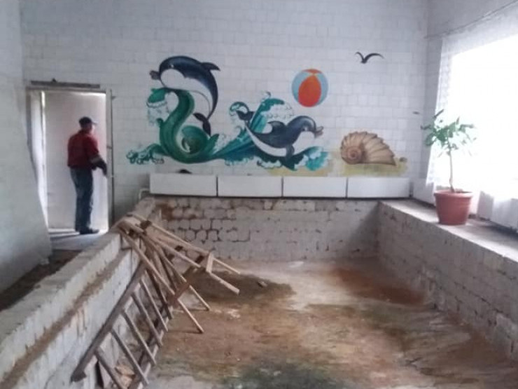 Тривають роботи по облаштуванню басейна