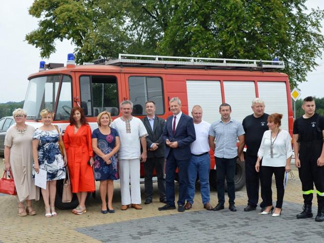 Волинській громаді поляки подарували пожежний автомобіль