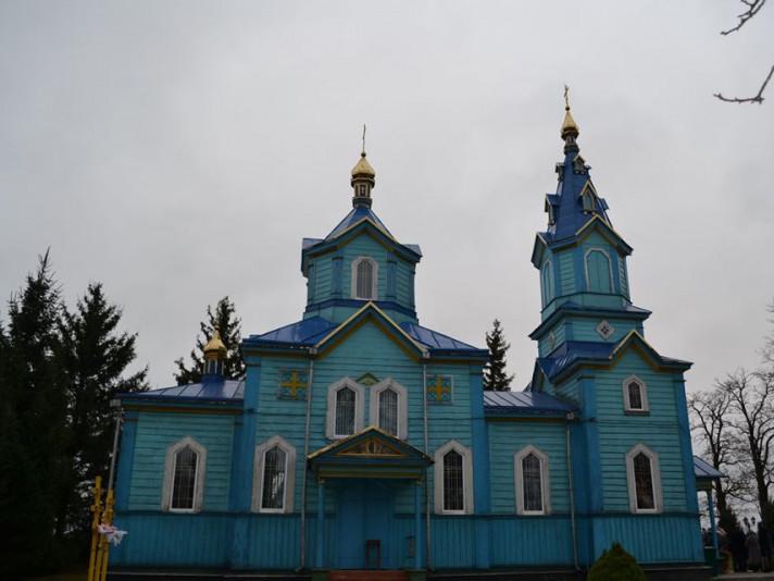 Храм села Топилище