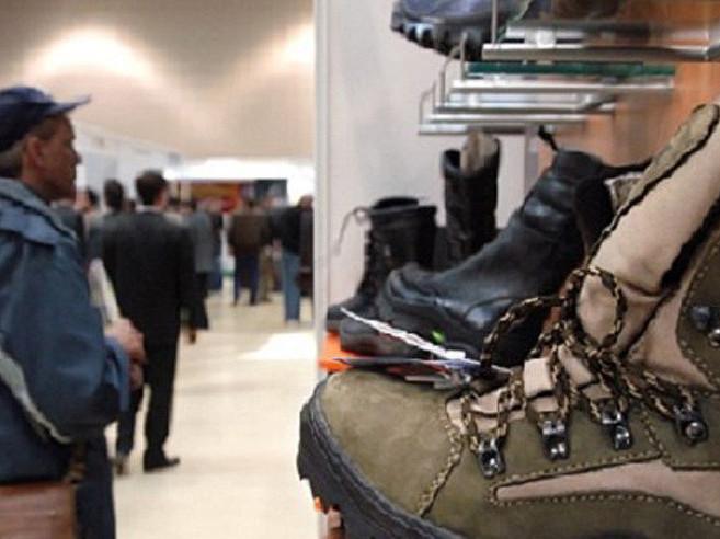 На Волині судили студента, який вкрав з магазину кросівки