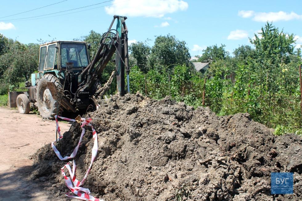 Вириту яму загородили тільки біля благодійної організації «Незабудка»