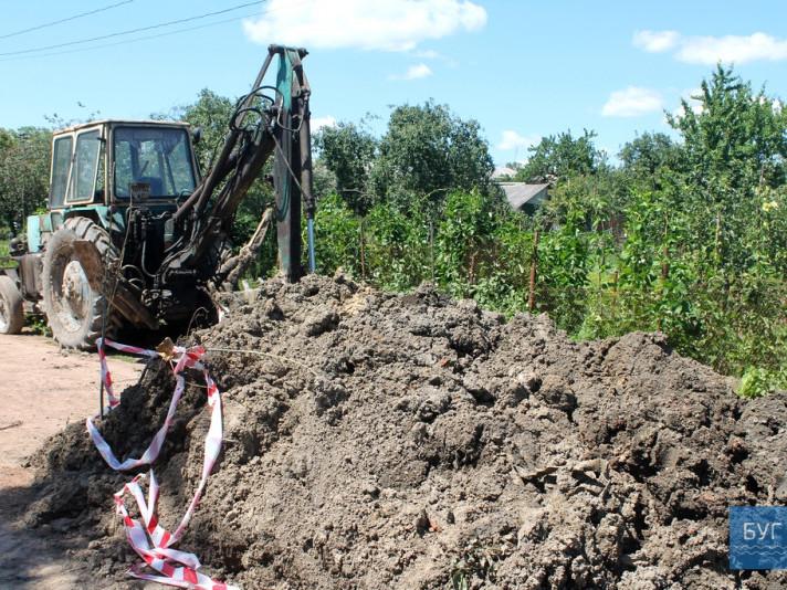 Лише в липні надвох вулицях селищаІваничісталося три пориви труби