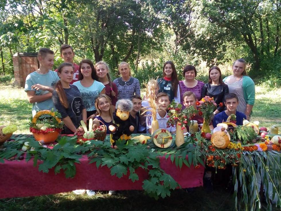 У загальноосвітній школі села Луковичі Іваничівського району пройшов захід «Осінній калейдоскоп».