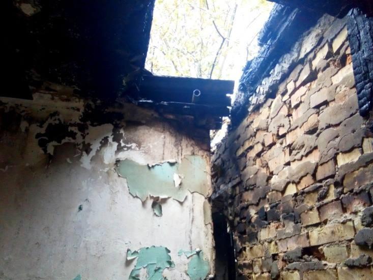 Знищено покриття та перекриття на площі 35 м.кв, пошкоджено стіни, - на Волині повідомили про збитки після пожежі