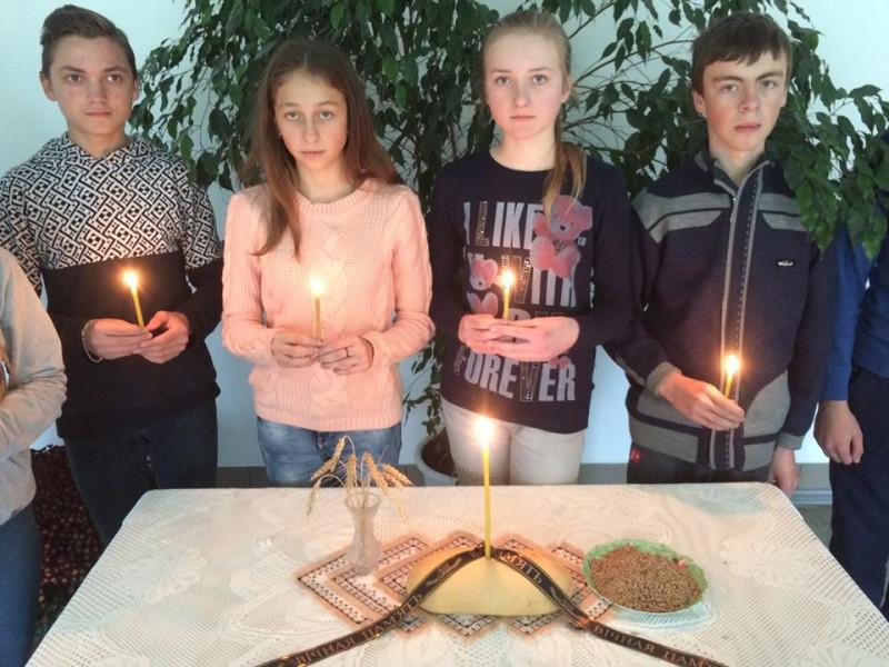 У пам'ять про жертв Голодомору на Волині запалили свічки
