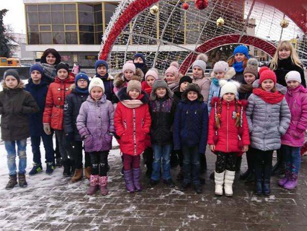 Малеча з Іваничівщини побувала в Луцьку на новорічному святі