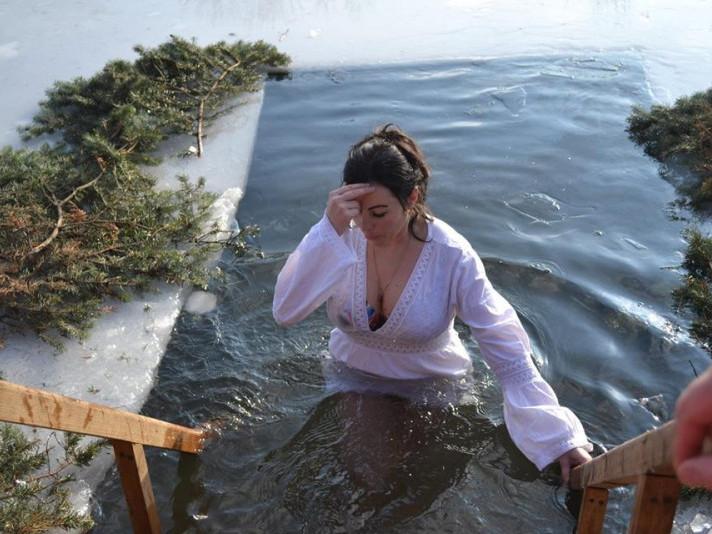 Як мешканці Іваничівщини купалися на Водохреще