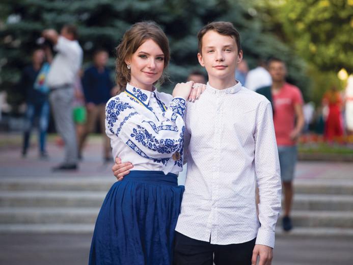 Тетяна Торчило із братом