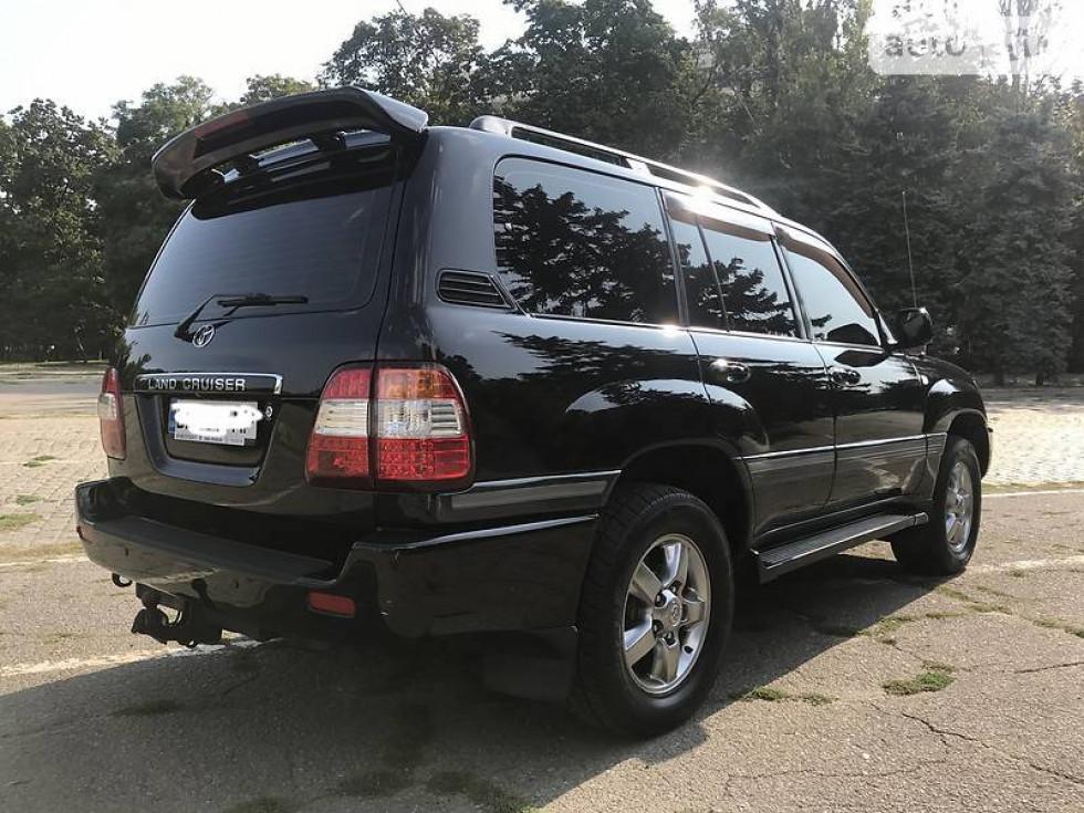 Вартість Тoyota Land Cruiser на вторинному ринку - близько 26 тисяч доларів. Фото з сайту auto.ria.com