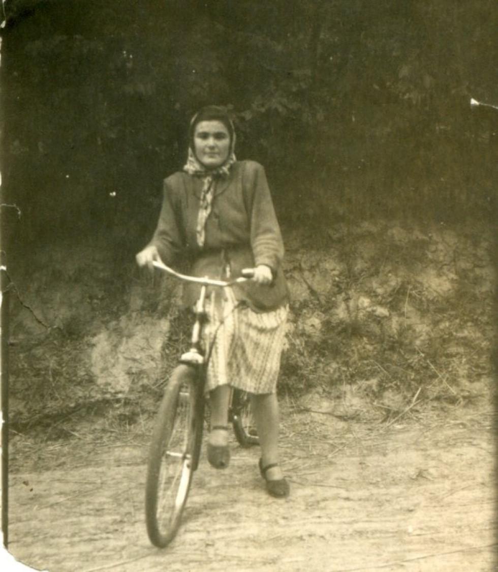 На фото: Катерина Коваленко. 1950-ті рр.